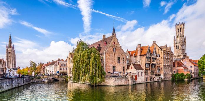 Visit Bruges during the weekend