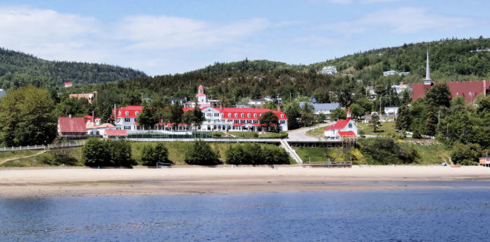 Visit Tadoussac and its surroundings